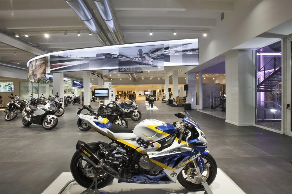 Bmw Motorrad Roma La Più Grande Concessionaria Al Mondo Di Moto Bmw