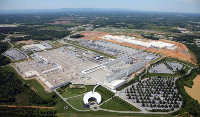 BMW investe nello stabilimento di Spartanburg ed annuncia la X4