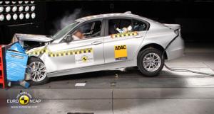 BMW 5 stelle nel crash test Euro NCAP