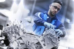 BMW N63 V8 4.4 TwinTurbo Assembly Line - BMW Serie 8 2018