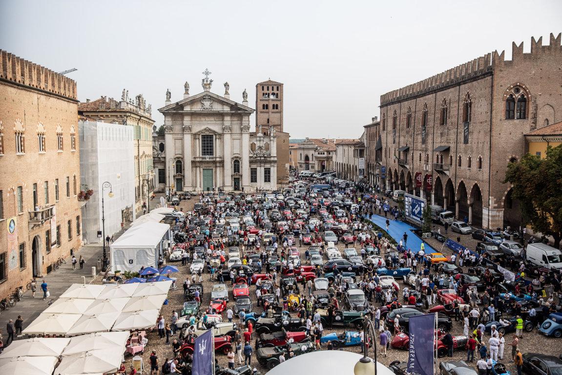Gran Premio Nuvolari 2018 Una Bmw 3 0 Csl Alla Partenza Bmwnews