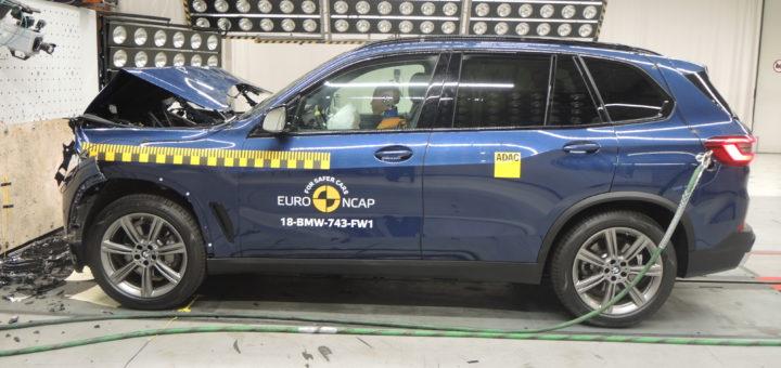 BMW X5 2018 G05 EuroNCAP Test