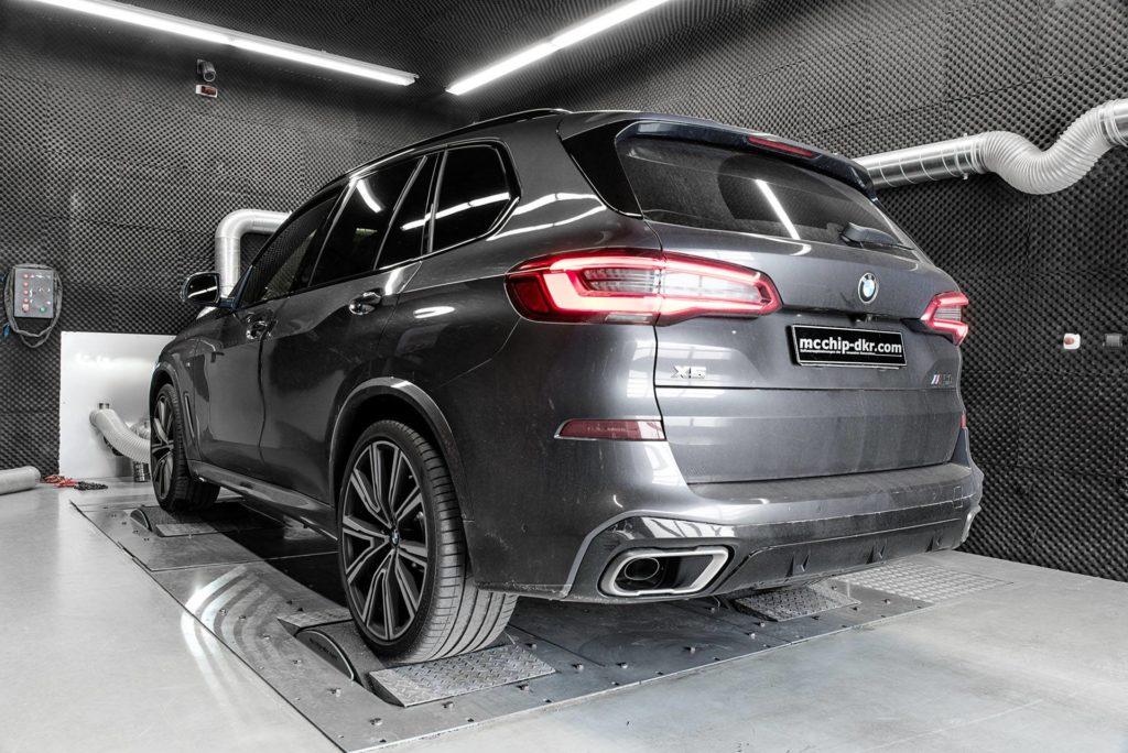 BMW X5 M50d xDrive by McChip DKR 2019 G05 (1)