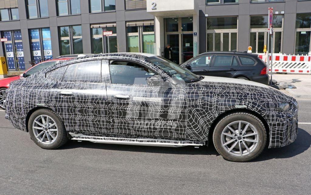 BMW i4 G26 2021 Spy (1)