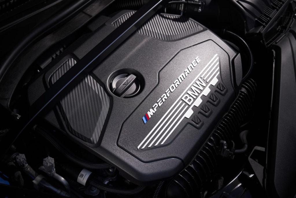 BMW-Serie-1-2020-F40-Official-BMW-M135i-xDrive-Misano-Blue-Metallic-7