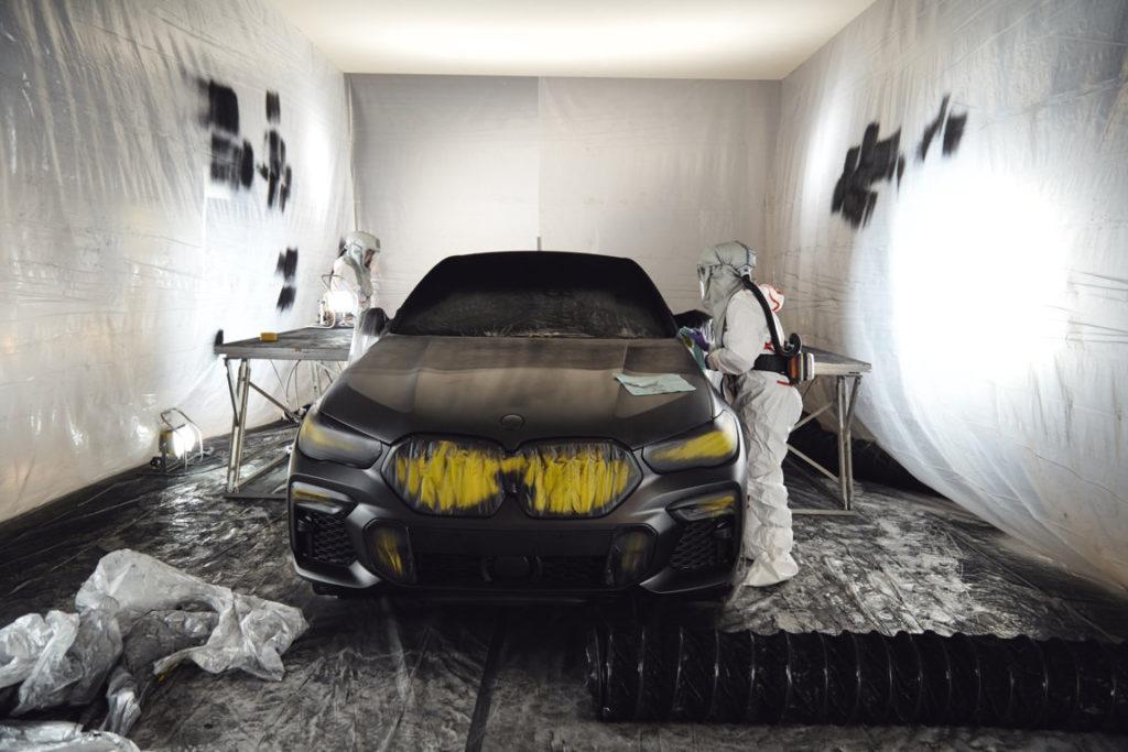 BMW X6 in Vantablack 2020 G06 (12)