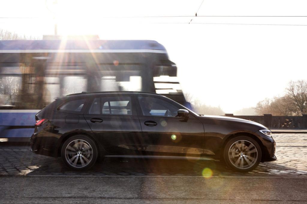 BMW 330e Touring - Ginevra 2020